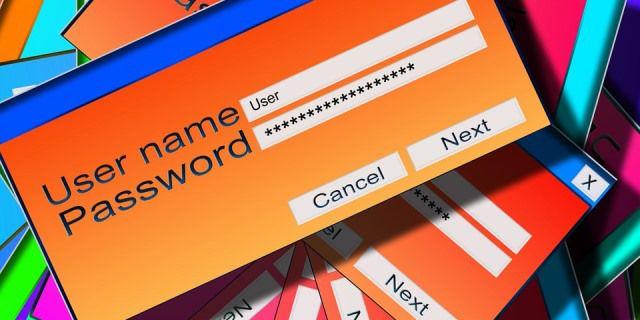 Ventanas de internet abiertas donde se pide al usuario un nombre y una contraseña.