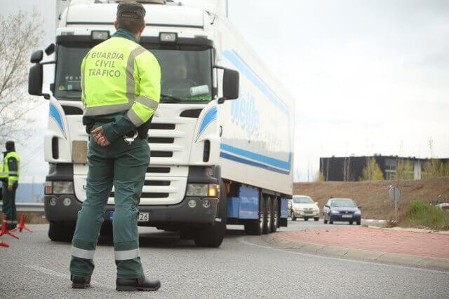 Control de carretera a vehículos pesados