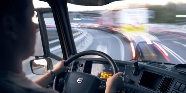 Camionero en el día internacional del transporte