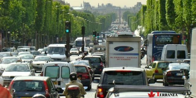 los coches que vayan a paris tendrán que llevar puesta la viñeta