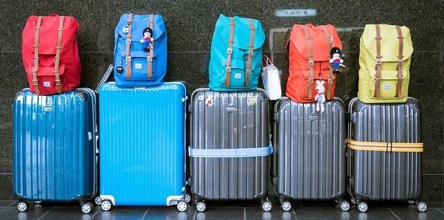 trucos para ahorrar viajes vacaciones vuelos hoteles apartamentos aviones