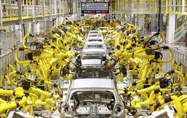 el uso de robots en la industria ya obligó a realizar seguros para este tipo de maquinaria