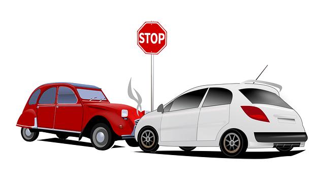 Dos coches colisionaron a conciencia en uno de los intentos de fraude.