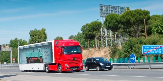 camión Mercedes Benz menos de 44 toneladas