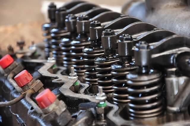Los motores, que estaban siendo vendidos, habían sido declarados robados.