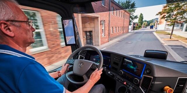conductor de camión mayor de 50 años