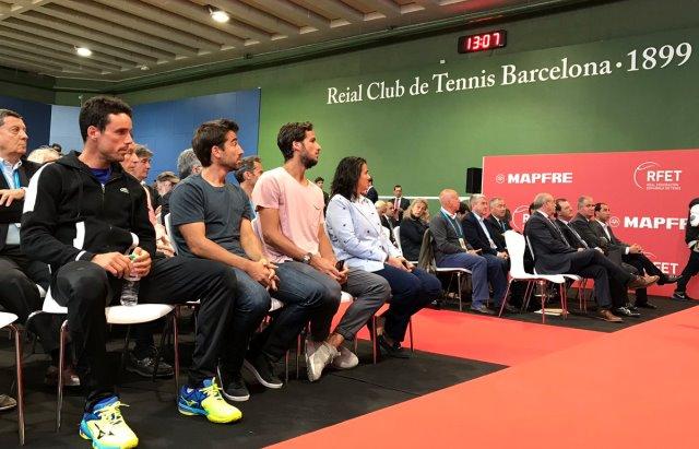 equipo nacional federacion tenis durante la renovacion del patrocinio de mapfre