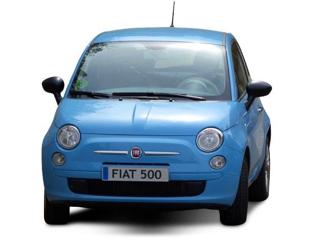 Fiat 500 nuevo de color azul celeste