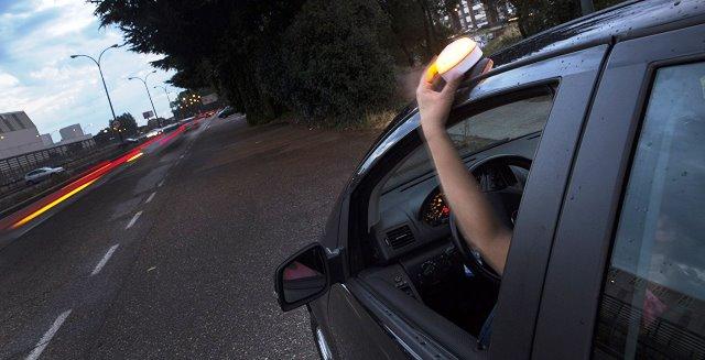 el sistema de iluminación help flash funciona de esta forma