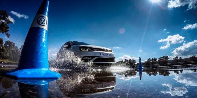 Escuela Conducción R para jóvenes de Volkswagen