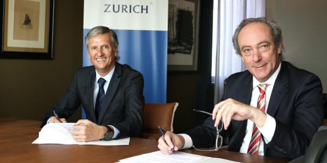 Responsables de Zurich en la firma del patrocinio del Maraton de Malaga