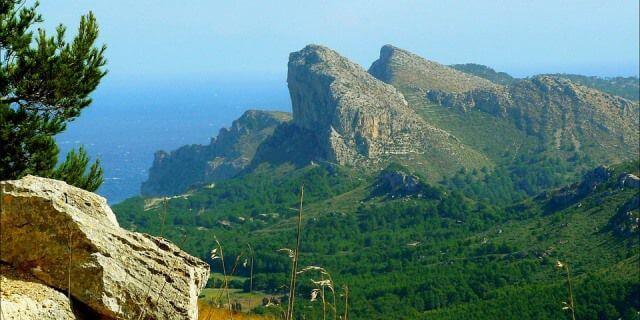 Acantilados que se localizan en el cabo Formentor.