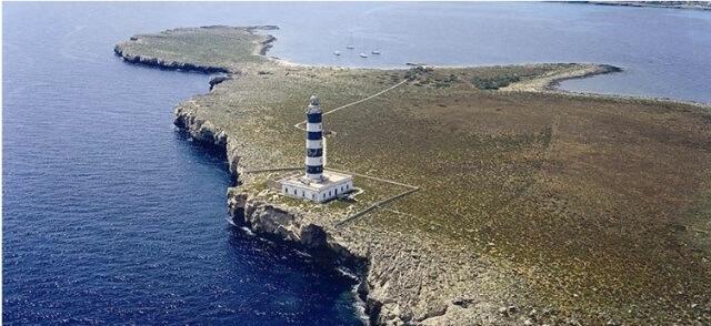 Impresionante fotografía de la Isla del Aire.