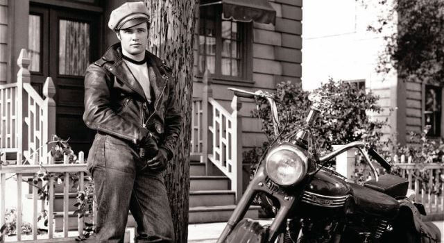 Marlon Brando en la película The Wild One.
