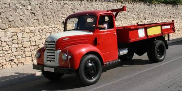 Dodge Kew de color rojo.