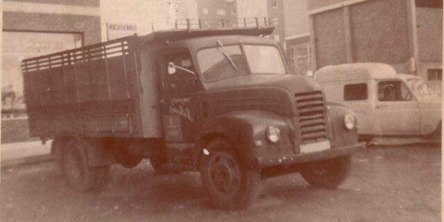 """El Ebro-35, el camión""""botellero"""" por excelencia."""