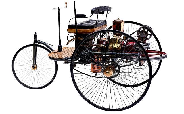 Una de las curiosidades históricas es que el Karl Benz fue el primer coche movido por carburante.