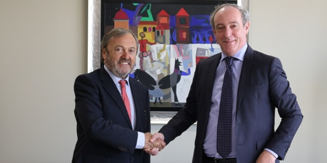 Josep Mateu, Presidente del RACC, y Vicente Cancio, director general de Zurich en España.
