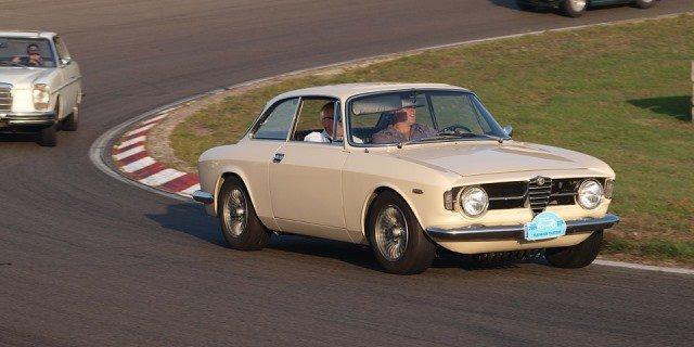 Alfa Romeo en una carrera de clásicos.