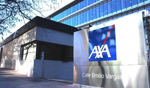 Entrada del edificio sede de AXA en Madrid, premiado por su eficiencia energética