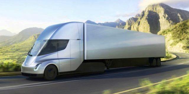Tesla Semi Truck circulando por carretera