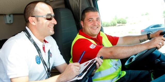 Astic y SEPE colaboran en un proyecto para convertir a jóvenes parados en conductores profesionales