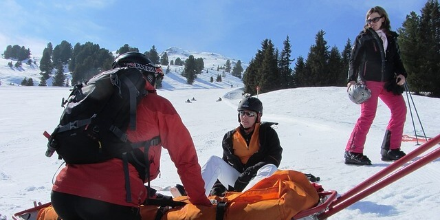 sufrir una caída esquiando es lo normal
