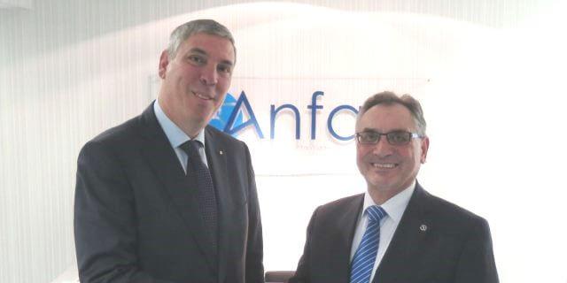 José Vicente de los Mozos y su predecesor como presidente en ANFAC, Antonio Cobo