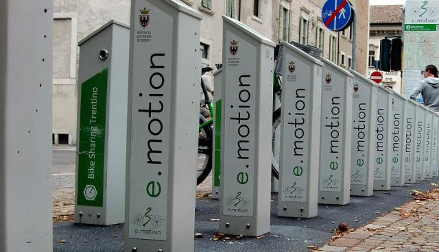 Puntos de carga de bicicletas eléctricas.