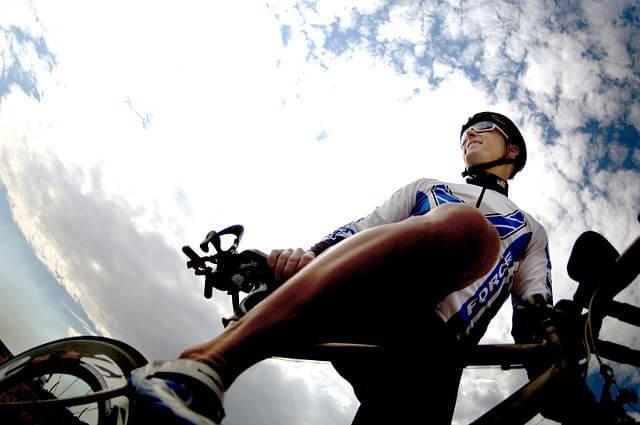 Maillot y culotte, la indumentaria ideal de un ciclista