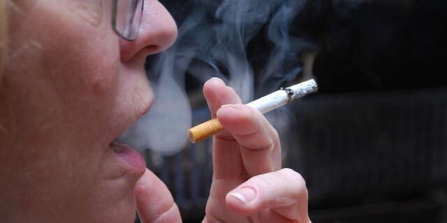 El tabaco nos puede dificultar dormir bien.