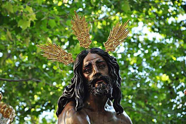Imagen de Jesús en una procesión de Semana Santa en Sevilla.