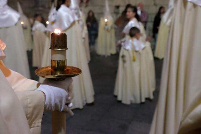 Estación de penitencia de una cofradía en la Semana Santa de Valladolid (Foto: Turismo de Valladolid)