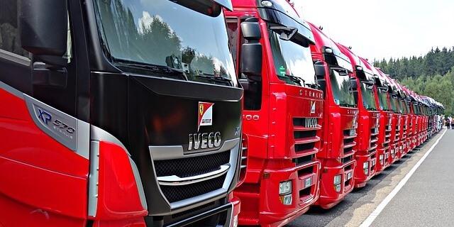 camiones de iveco recién matriculados para su venta