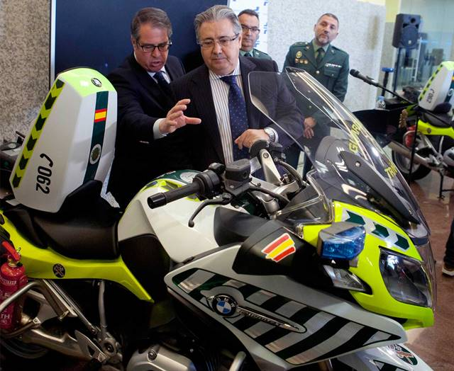 Presentación de la Patrulla Integral: Motos de la Guardia Civil de Tráfico para esta Semana Santa, con el ministro Zoido DGT