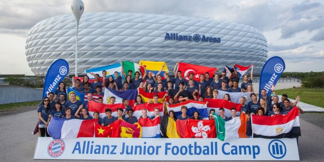 imagen de la edición 2017 del ALLIANZ JUNIOR FOOTBALL CAMP