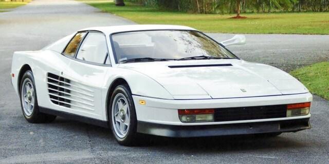 Ferrari Testarossa blanco de Corrupción en Miami (Miami Vice)