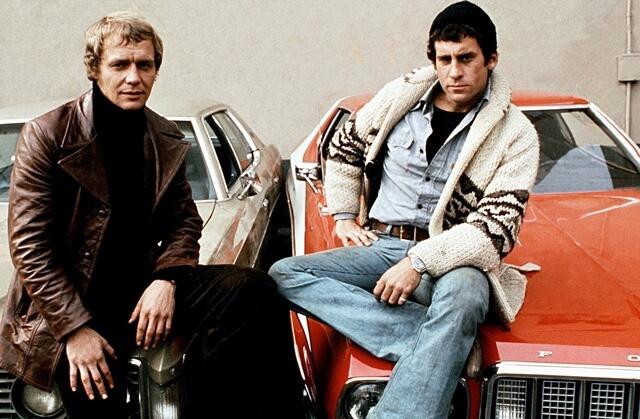 Starsky y Hutch junto al Ford Gran Torino con el que perseguían a los criminales por las calles de Bay City