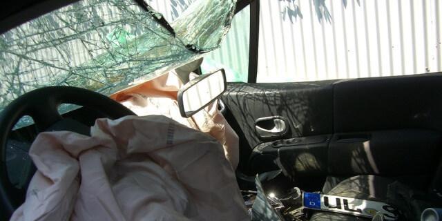 Accidente de tráfico en coche con sistema ecall instalado.