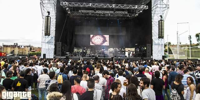 Festival Gigante es un festival en verano.