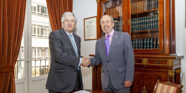 Firma del convenio entre la Fundación ASISA y la Real Academia Nacional de Farmacia