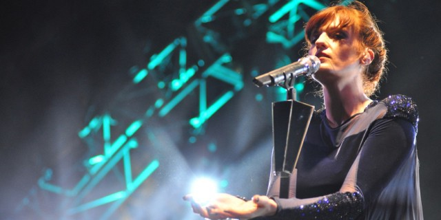 Florence Welch cantando