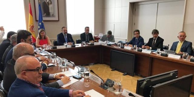 El Ministro de Fomento reunido con los principales representantes del sector de los transportistas
