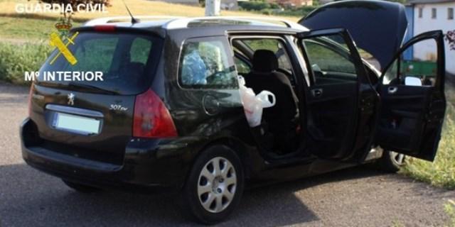 coche incautado por la guardia civil en la operación mikalona