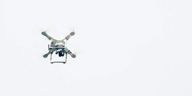 Dron en el aire.