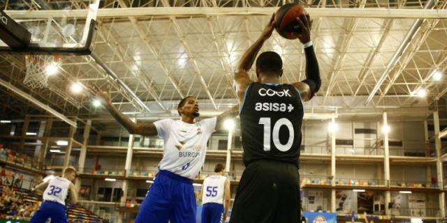 El Club de Baloncesto Estudiantes sigue con su patrocinio de ASISA