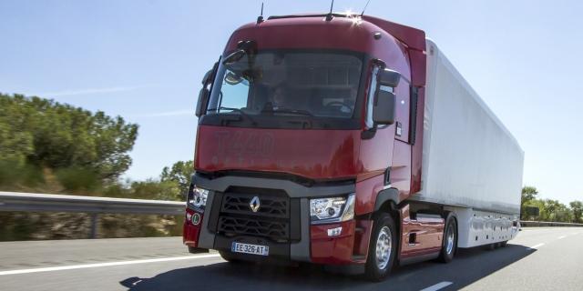 UE y constructores de camiones discuten sobre las emisiones de CO2