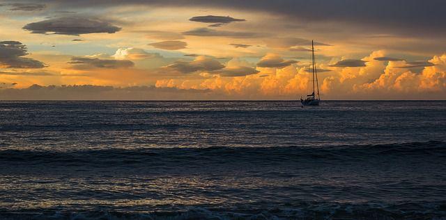Navegar en invierno es una actividad que posee un encanto especial.