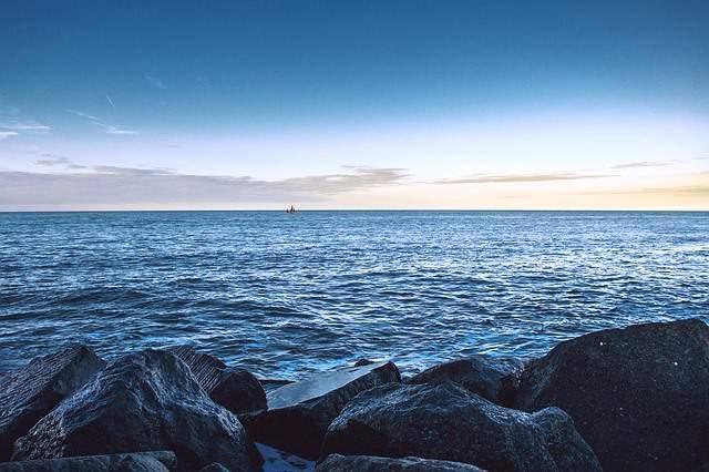 El relax y la tranquilidad en el mar es posible navegando en invierno.