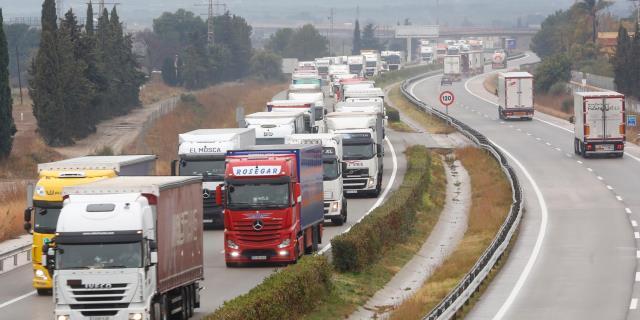 Los camioneros volverán a protestar contra los peajes obligatorios en Cataluña